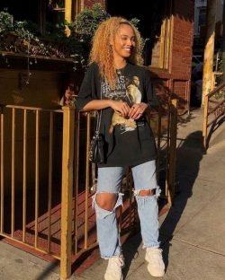 Woman fashion teen street style baggy pants outfit outfits