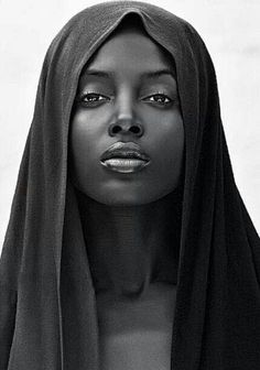 VIERGE NOIRE by Philippe Vignal