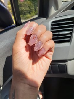 Mauve LV Nails with Glitter