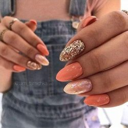 Shades of Orange and Sparkle Nails