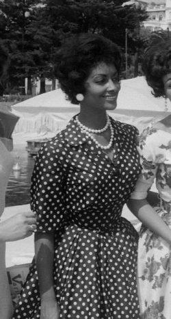 Vintage: Elegant and feminine