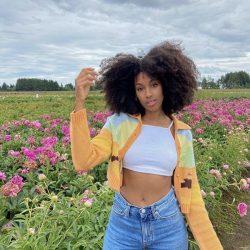 afro and flowers