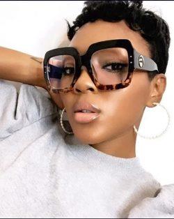 Glamour Girl Gloss Glasses