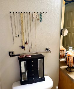 Jewelry organization with pins