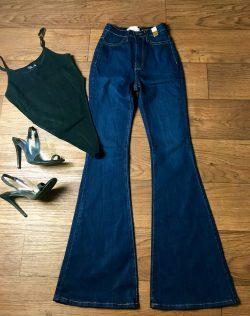 High waisted jeans+Bodysuit+Sensuous heels