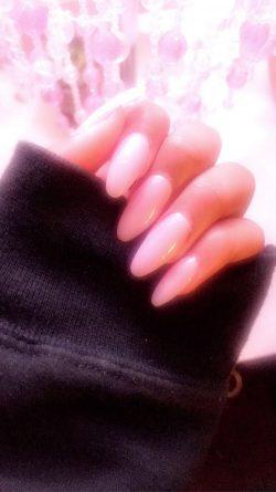 pink acrylics 💗