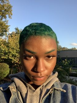 Short green hair black girl♡𓁿