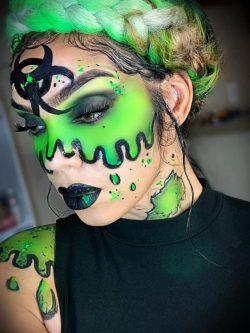makeup 🎨 green makeup 🦠 toxic
