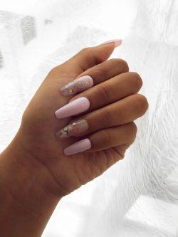 Pink acrylics 💅