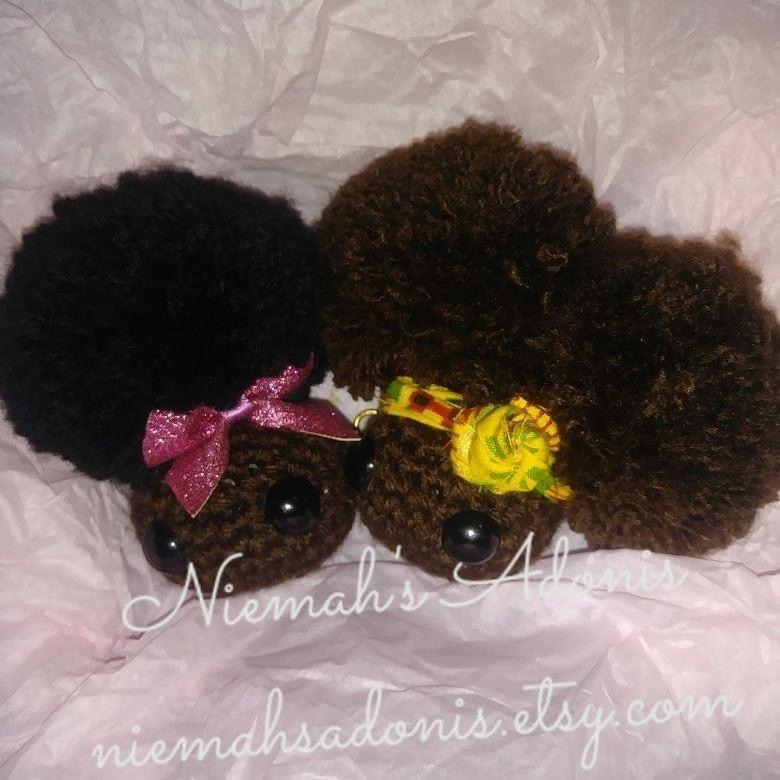 Crochet black girl keychain | crochet keychain