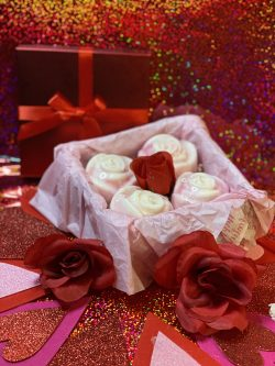 Rose 🌹 Bouquet Candle Box Set of 4