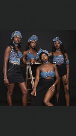 Drop a '❤️' for my sisters of Mali Africa Their photo shoot was superb !!