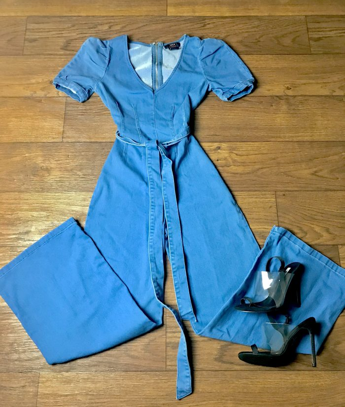 A jumpsuit is a wardrobe staple💙💙