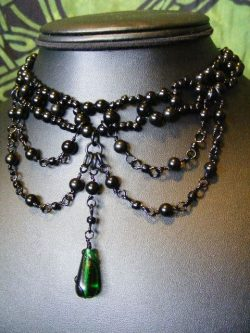 Goth necklace with green gem