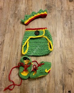 Crochet Crown/sneakers/diaper cover
