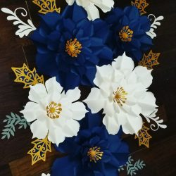 Holidays paper flower wall