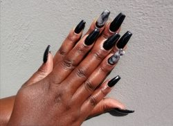 Black acrylics nails