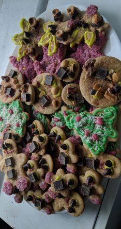 Easy 6 ingredient Vegan Christmas banana butter cookies