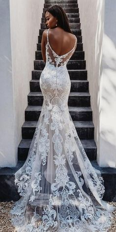 beautiful lace mermaid wedding dress