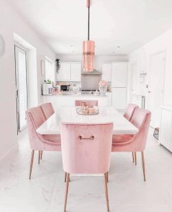 Pink dining area💕