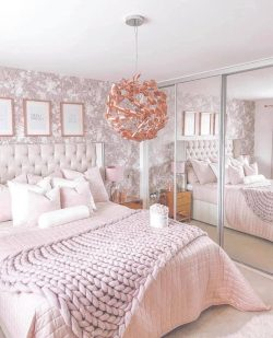 Pink Bedroom 💗