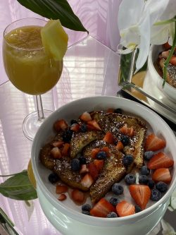 french toast & mimosas 🍹🍓