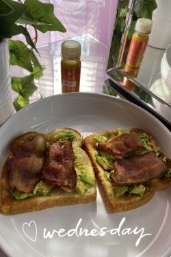 🥑 avocado toast w/ bacon 🥓