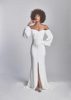 gorgeous non traditional wedding gown!!
