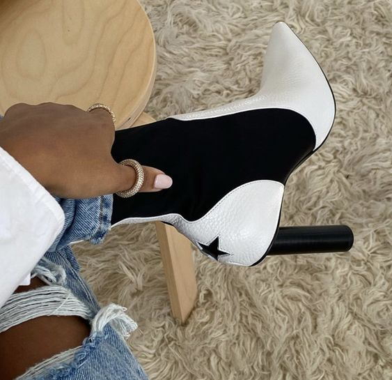 Not much into white boots, but these aren't so bad