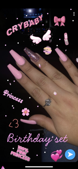 Aesthetic crybby nails