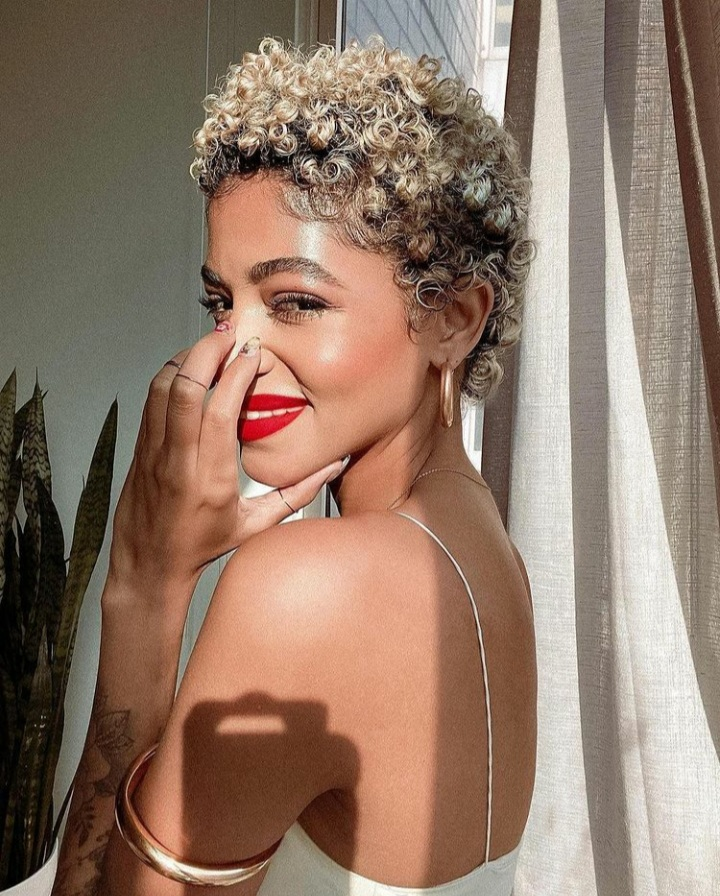 Rock that short cut girl! Short hair on women brings out their most beautiful facial features bc ...