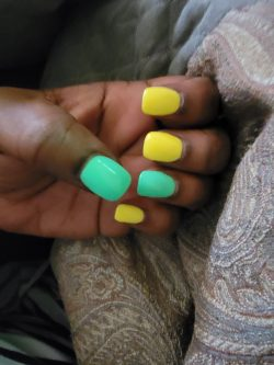 Short Nails Plain