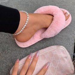 Liliana Fluffy Pink