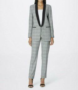 Tahari by Arthur S. Levine women's blazer/pant suit, size 6 black/white