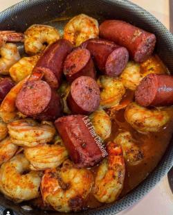 Sausage & Cajun Shrimp 😋😋