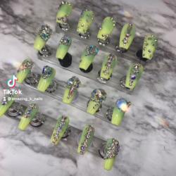 Amazing k nails