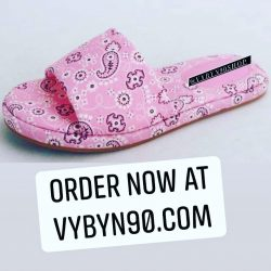 """MISS PINKY"" -Pink Bandana Print Flat Slide Sandals"
