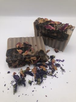 Sea Moss and African Black Soap with Rose Petals and Manuka Honey