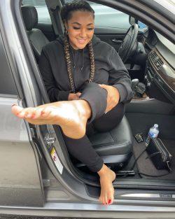 Pretty Feet Msiahk